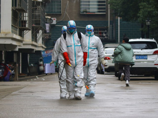 China coronavirus death toll climbs to 106 as government scrambles to contain outbreak