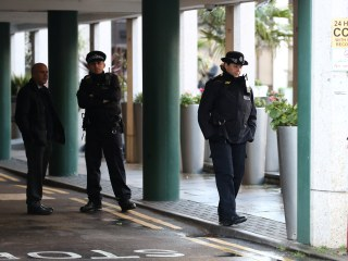 London mosque stabbing: Man arrested for attempted murder after attack