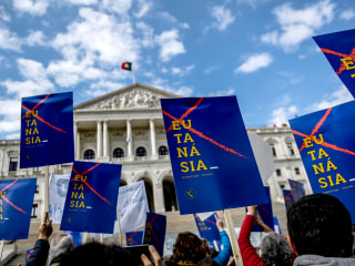 Portugal lawmakers vote to allow euthanasia for terminally ill