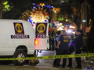 Woman killed by Mardi Gras float in New Orleans was possibly reaching for beads, police say