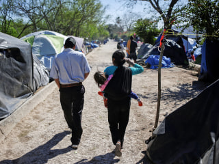 Court blocks remain in Mexico policy on part of U.S. border