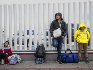 Federal appeals court blocks third-country asylum rule for some 'metered' migrants