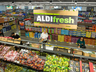 18 plant-based foods nutritionists buy at ALDI