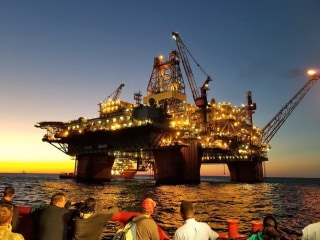 Oil rig workers hit with one-two punch of coronavirus and plummeting oil prices