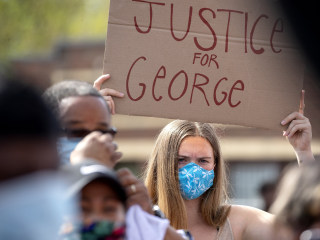 Minneapolis protests over death of George Floyd's in-custody death grow volatile