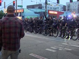 Seattle police move in Capitol Hill Occupied Protest zone at daybreak, clear out demonstrators
