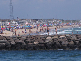 Virus concerns grow — as do crowds flocking to Jersey Shore