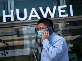 After months of U.S. pressure, U.K. bans China's Huawei from its 5G network