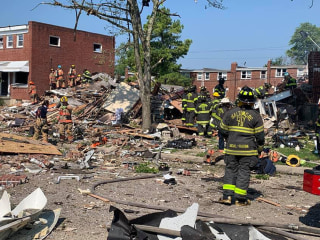 1 dead and 7 injured after massive gas explosion destroys houses in Baltimore