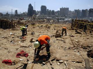 After Beirut explosion, Lebanese volunteers flock to help clean up