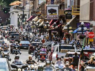 Smash Mouth singer mocks coronavirus pandemic at packed Sturgis Motorcycle Rally concert