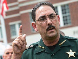Florida sheriff orders deputies not to wear masks, bans civilians in masks from office