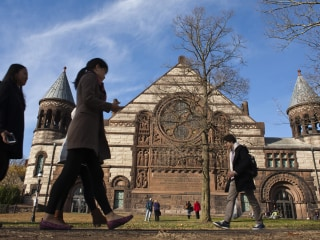 Jump on College Scholarship Applications Before They Slip Away