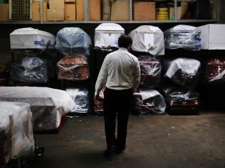 U.S. surpasses 250,000 coronavirus deaths as virus mortality rate surges