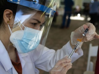 Operation Warp Speed at a crawl: Adequately vaccinating Americans will take 10 years at current pace