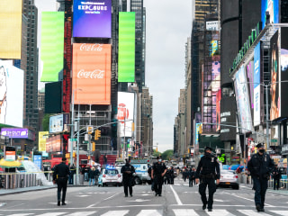 4-year-old girl, two women shot in New York's Times Square
