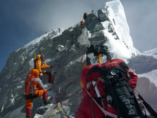 American among two Everest climbers killed by exhaustion