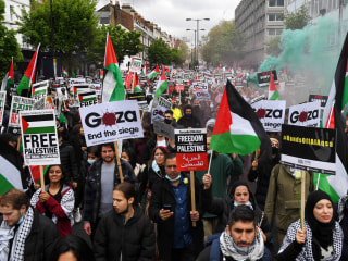 Thousands take part in pro-Palestinian protests in cities across the world