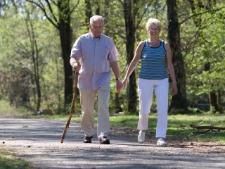 After-meal walks may help control diabetes, study suggests