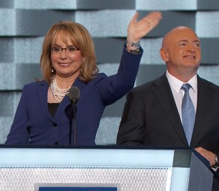 Clinton 'Will Stand Up to the Gun Lobby': Giffords