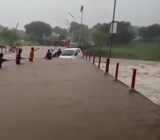 Hundreds Die in Severe Flooding in India