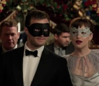 'Fifty Shades Darker' Spanks 'Force Awakens' for Record