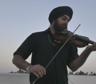 From Classical Music to 'Hotline Bling,' Meet the Sikh American Violinist Creating 'Universal Music'