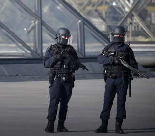 Soldier Shoots Attacker Near the Louvre in Paris