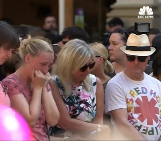 'Don't Look Back in Anger': Manchester Vigil Unites in Song
