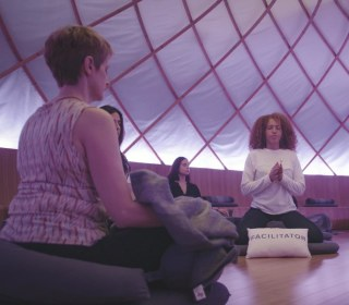 Here's What Happened When We Tried Meditating