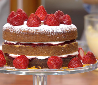 Make Orange Blossom Strawberry Sponge Cake for a Sweet Summer Treat