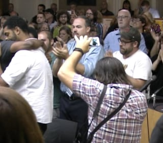 Audience Gives Standing Ovation After Lexington, Ky. Votes to Move Confederate Monuments