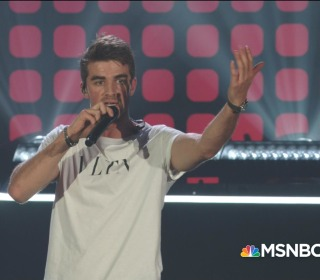The Chainsmokers play 'Don't Let Me Down'