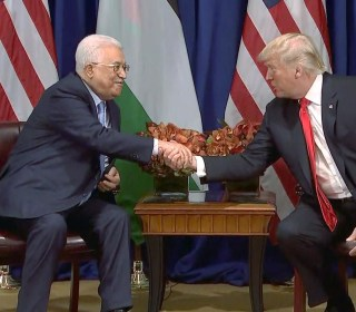 Trump Meets With Abbas, Says Decision Made on Iran Deal