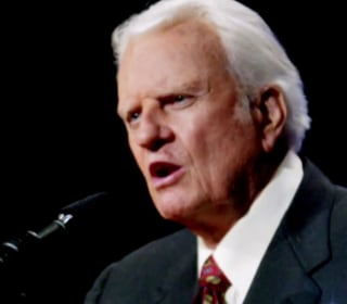 Thousands in North Carolina bid farewell to Rev. Billy Graham