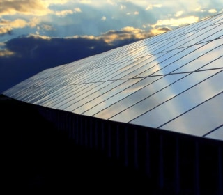 Apple launches a clean energy fund in China