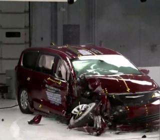 New crash safety test raises concerns about Toyota Sienna