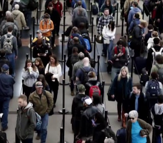 Record-breaking number of people flying for Thanksgiving this year