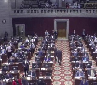 Missouri lawmakers pass abortion ban at 8 weeks