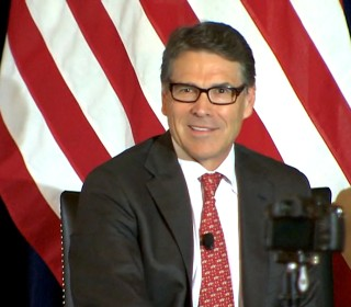 Game on: Perry Suggests Pull-Up Competition With Trump to Settle Score