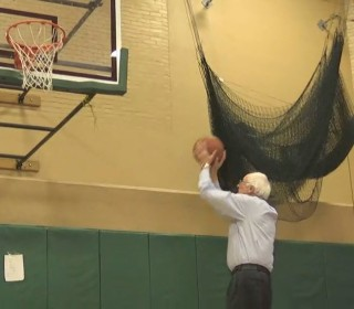 Sanders Plays Basketball With Grandchildren in N.H.