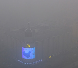 Beijing's Severe Air Pollution Enters Fifth Straight Day