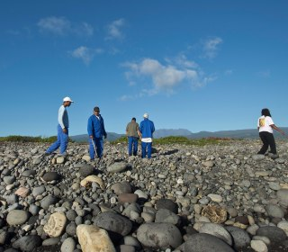 Bill Neely Reports From Beach on Reunion Island Where Wreckage Found
