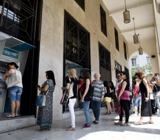 Traveling to Greece? Great Prices, Big Problems