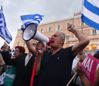 Greece Crisis: Bailout Expires, Causing Country to Default on IMF Payment