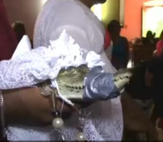 Mayor of Mexican Town San Pedro Huamelula Weds Alligator