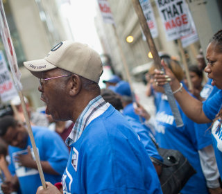 Chicago Workers Get Minimum Wage Raise to $10 an Hour