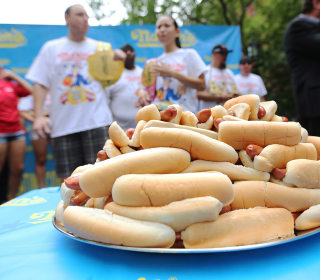 818 Hot Dogs Eaten Every Second, And Other Memorial Day Facts