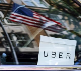 U.S. Judge Gives Uber Drivers Class Action Status