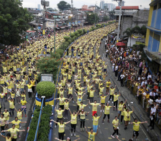 12,975 Zumba Enthusiasts Set New Guinness Record